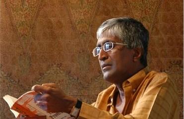 Prof Sunil Ariyaratne