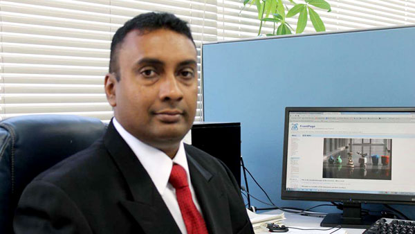 Dr.Ravindra de Silva