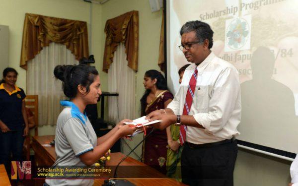 scholarship-awarding